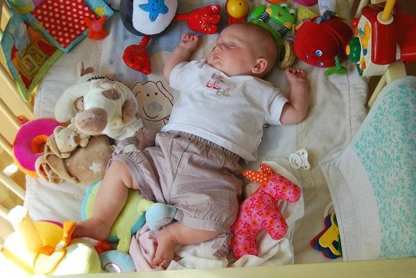 生後2~3ヵ月の赤ちゃんとの遊び方は?
